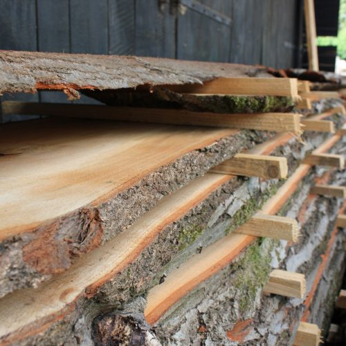 Opgestapeld hout